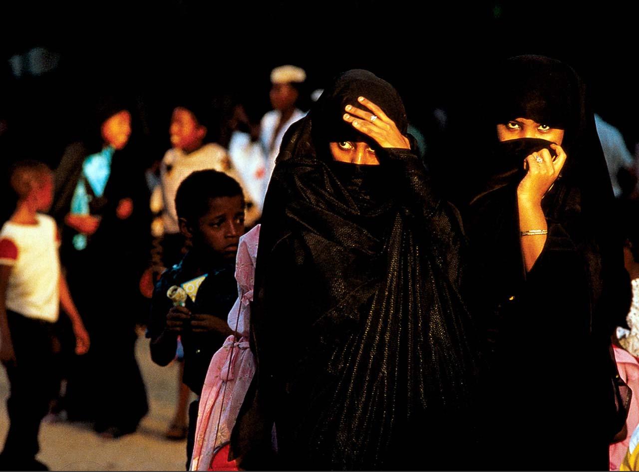 Одежда мусульманских женщин не должна походить на одежду не